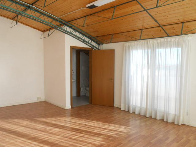 Magazzino in vendita a San Benedetto del Tronto, 9999 locali, zona Località: PortodAscoli, prezzo € 49.000 | Cambio Casa.it