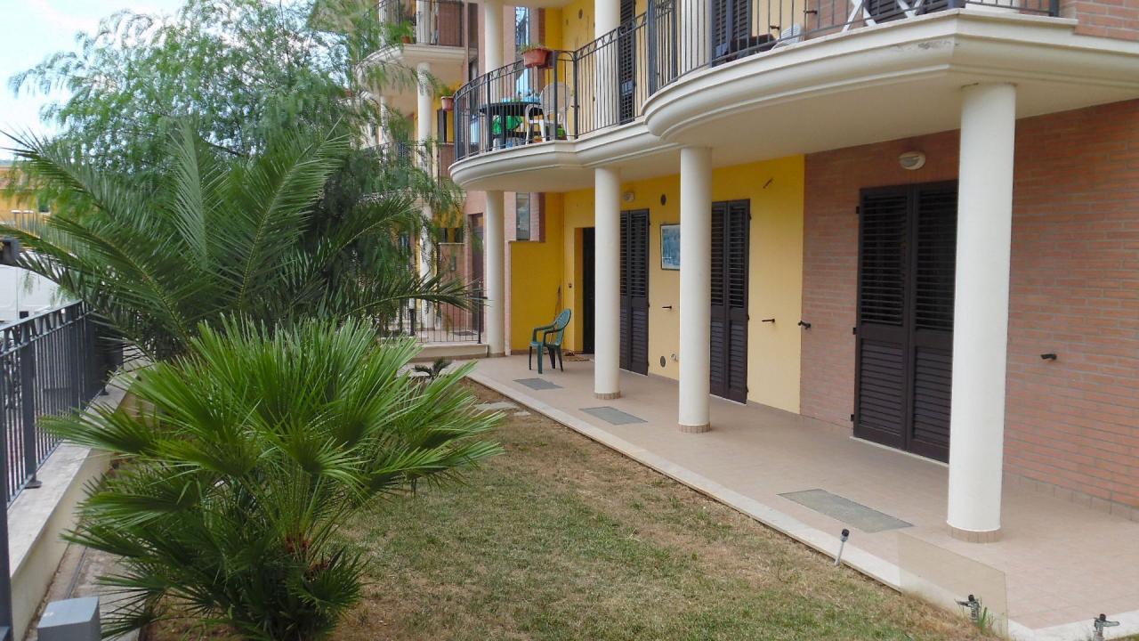 Appartamento in vendita a Monteprandone, 4 locali, zona Zona: Centobuchi, Trattative riservate | Cambio Casa.it