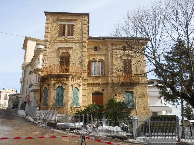 Appartamento in vendita a Colonnella, 5 locali, prezzo € 210.000 | Cambio Casa.it