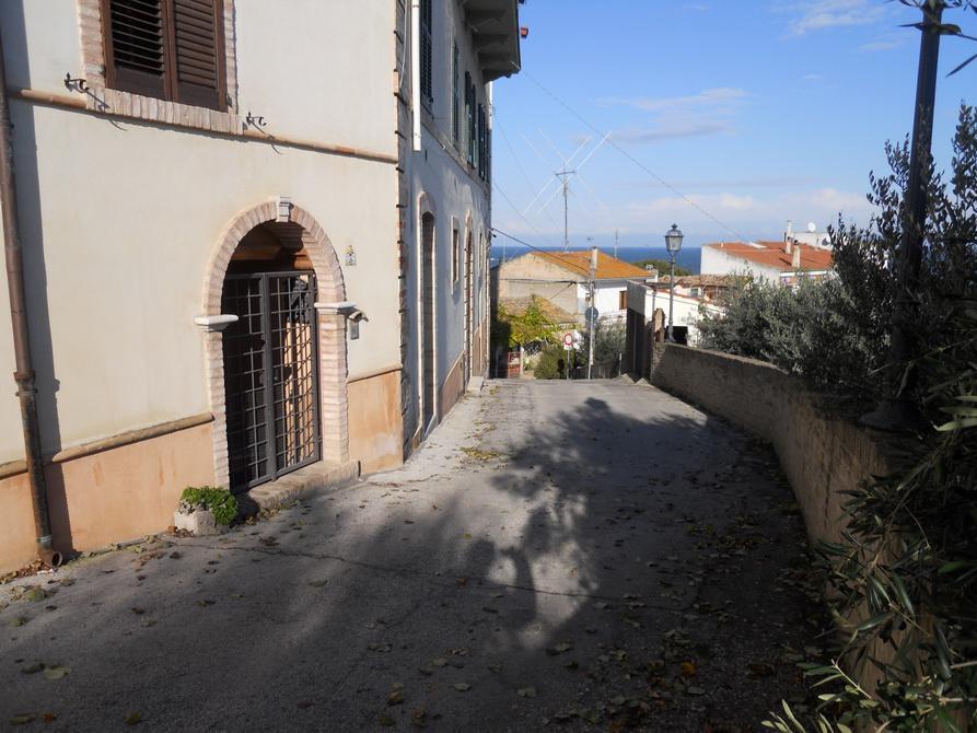 Negozio / Locale in vendita a Grottammare, 9999 locali, Trattative riservate | CambioCasa.it