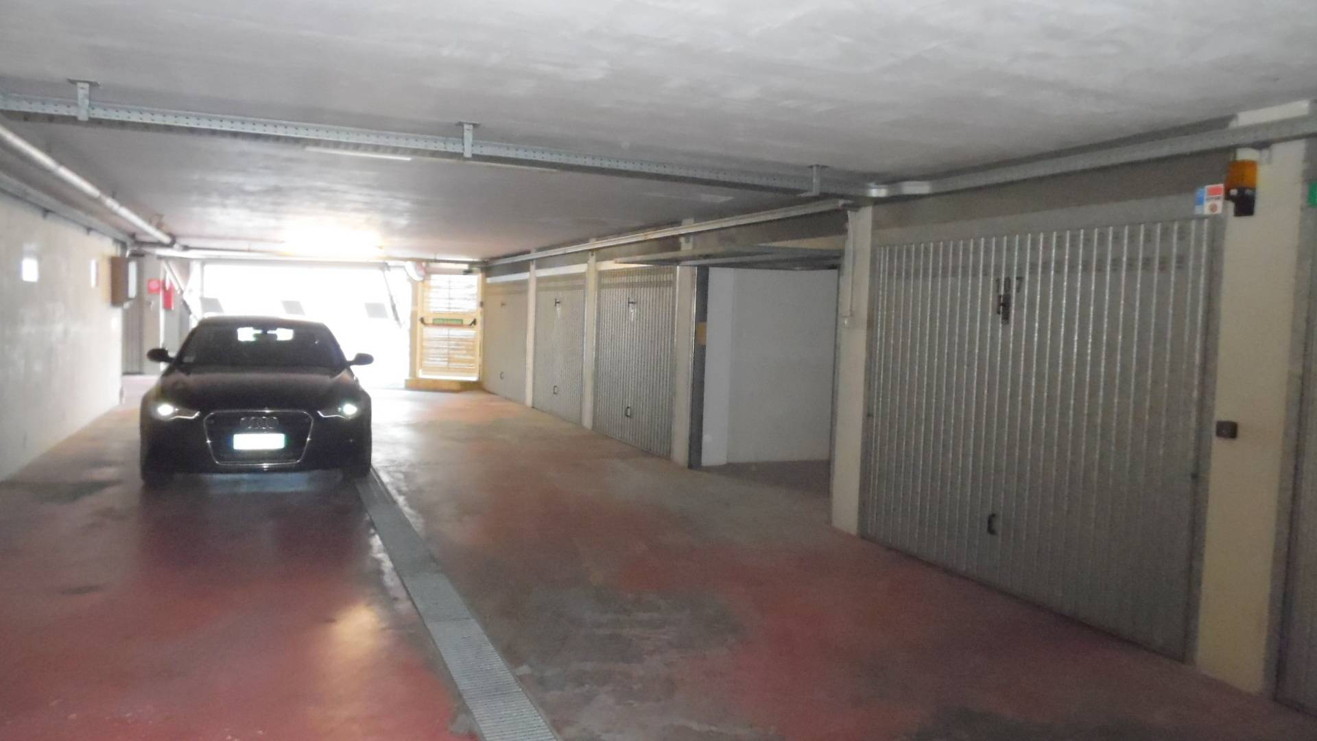 Box garage san benedetto del tronto vendita 17 for 2 1 2 metratura del garage