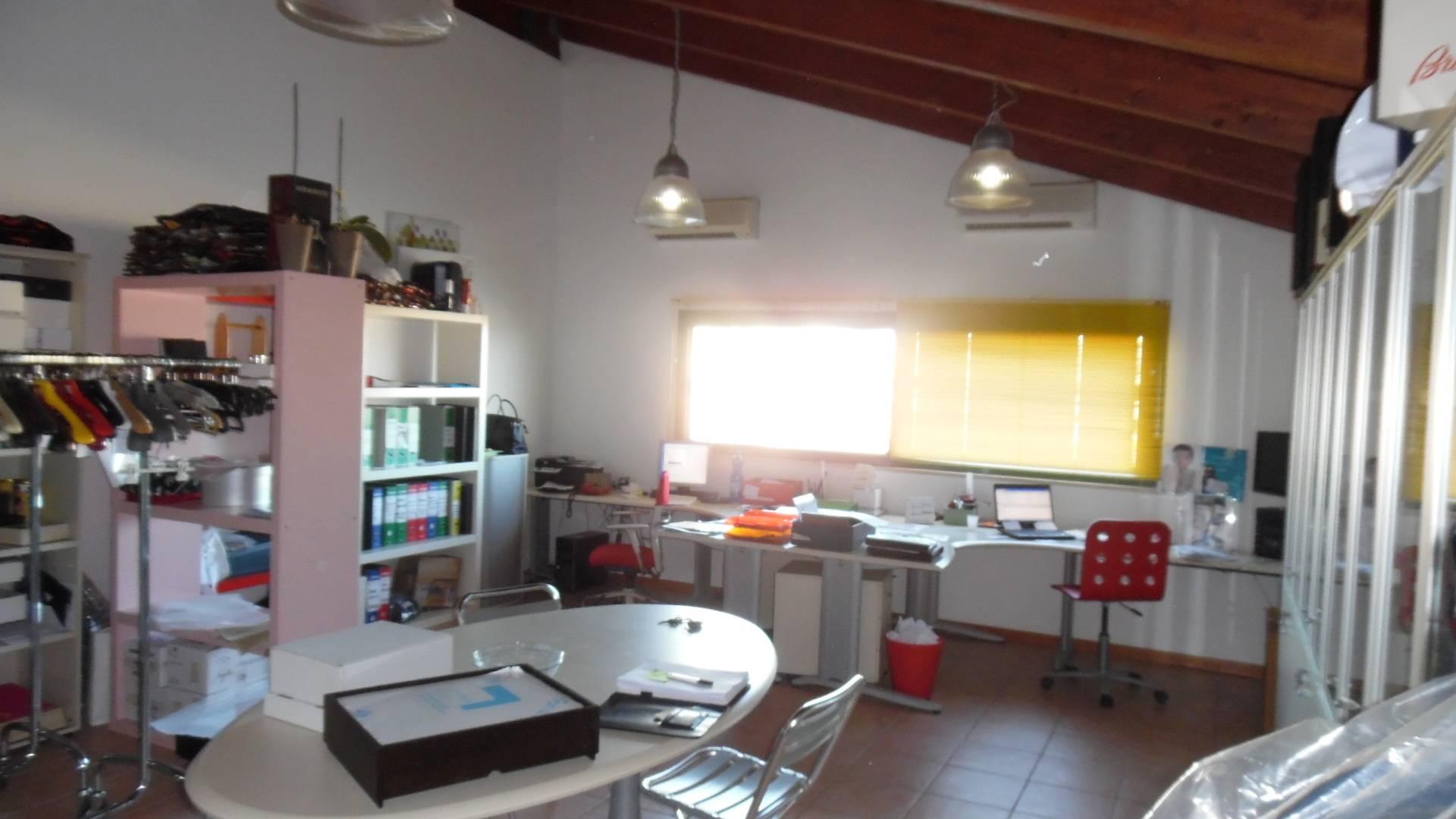 Laboratorio in vendita a San Benedetto del Tronto, 9999 locali, zona Località: PortodAscoli, prezzo € 90.000 | Cambio Casa.it