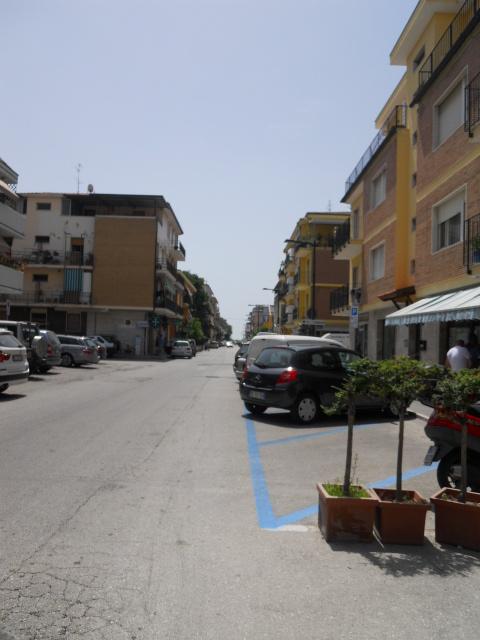 Negozio / Locale in affitto a San Benedetto del Tronto, 9999 locali, zona Località: PortodAscolimare, prezzo € 850 | Cambio Casa.it