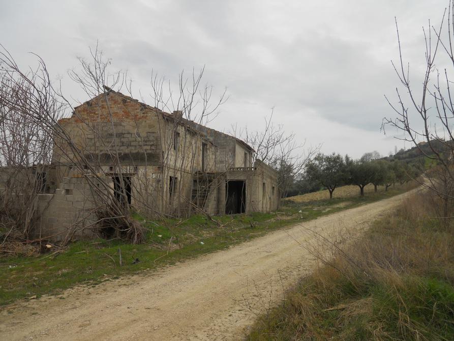 Rustico / Casale in vendita a Controguerra, 5 locali, prezzo € 60.000 | Cambio Casa.it