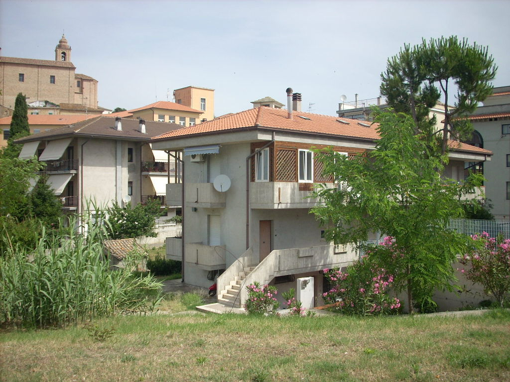 Bilocale Colonnella Via Roma 1