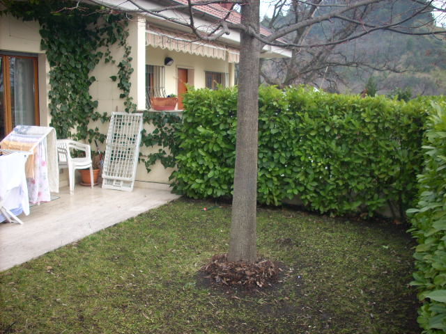 Soluzione Indipendente in vendita a Ascoli Piceno, 10 locali, zona Zona: Monticelli, prezzo € 380.000 | CambioCasa.it