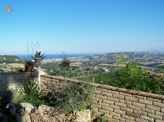 Soluzione Indipendente in vendita a Colonnella, 8 locali, prezzo € 320.000 | Cambio Casa.it