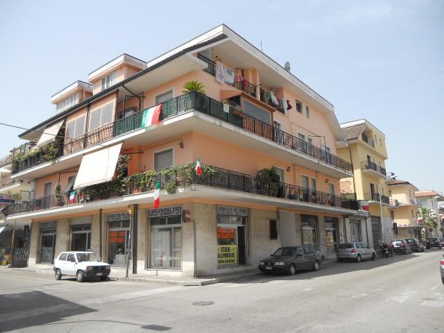 Magazzino in affitto a San Benedetto del Tronto, 9999 locali, zona Località: PortodAscoli, prezzo € 500 | Cambio Casa.it