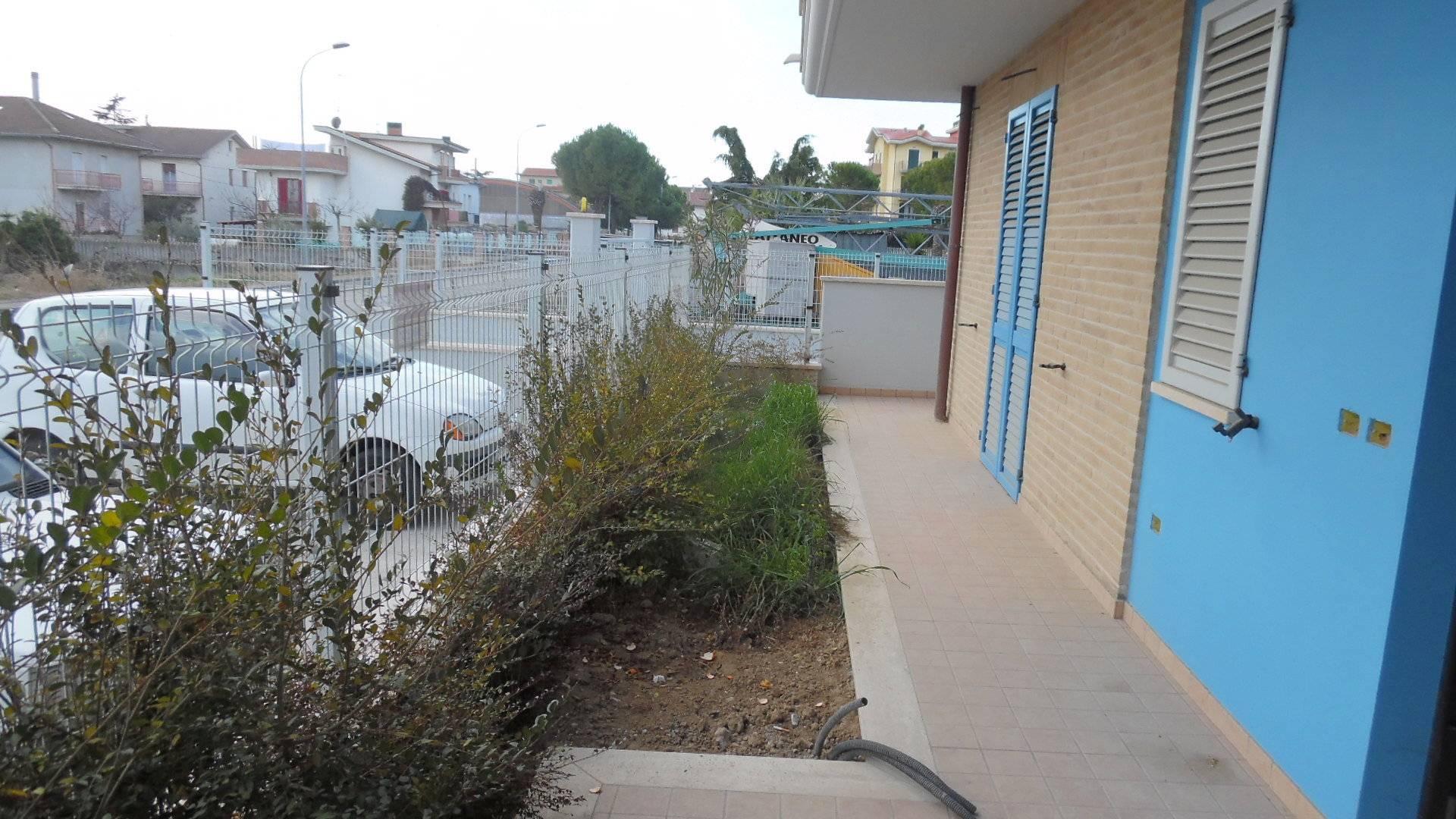 Appartamento in vendita a Monteprandone, 4 locali, zona Zona: Centobuchi, prezzo € 200.000   CambioCasa.it