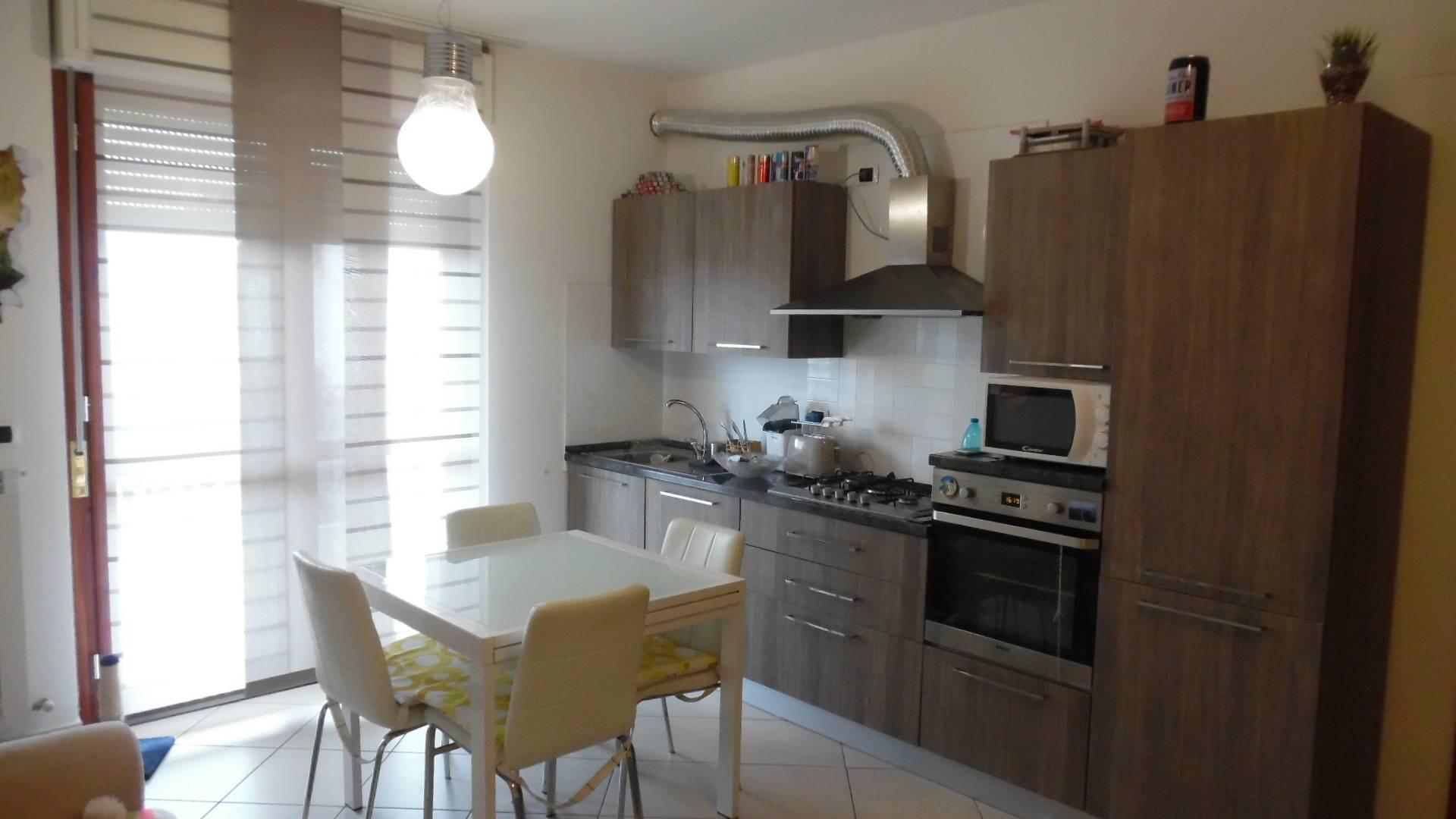 Appartamento in vendita a Monteprandone, 3 locali, zona Zona: Centobuchi, prezzo € 125.000   CambioCasa.it