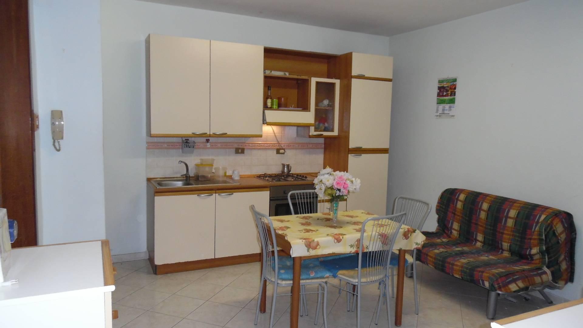 Appartamento in affitto a Grottammare, 3 locali, zona Località: mare, Trattative riservate | CambioCasa.it