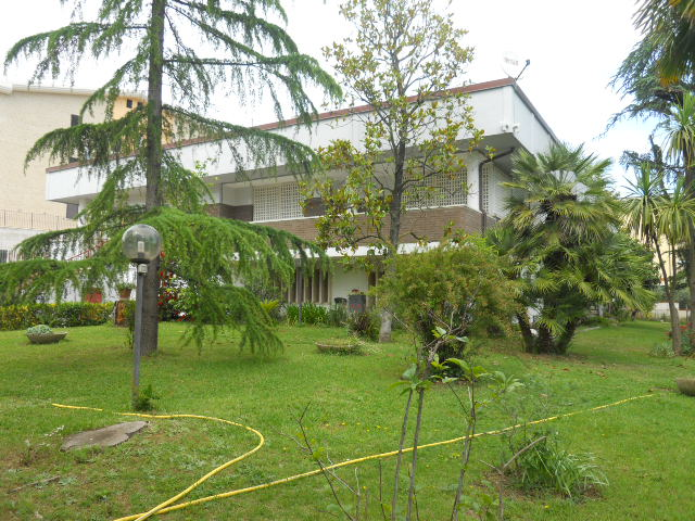 Villa in vendita a Monteprandone, 16 locali, zona Zona: Centobuchi, prezzo € 380.000 | CambioCasa.it