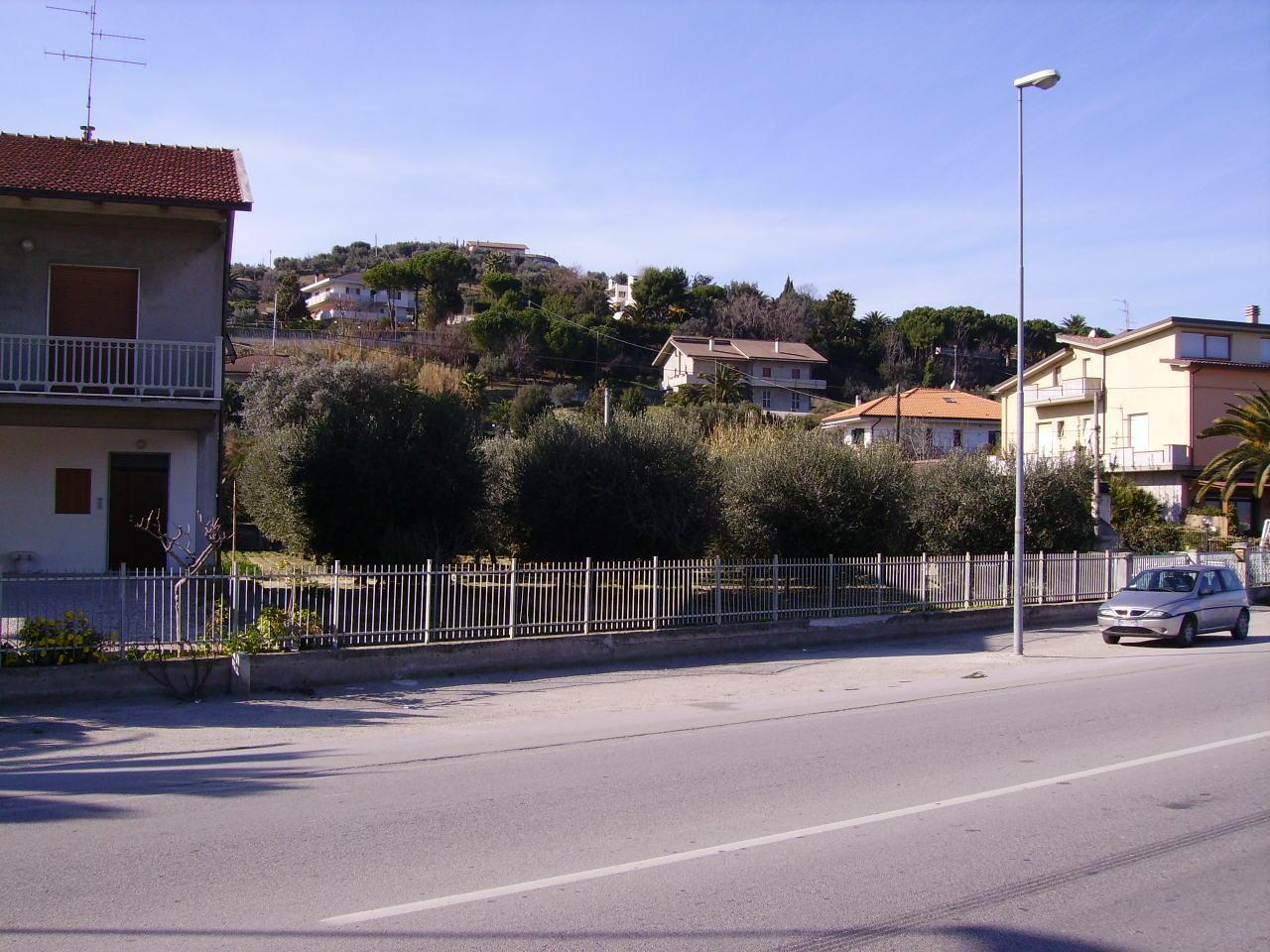 Terreno Edificabile Residenziale in vendita a Martinsicuro, 9999 locali, zona Località: Residenziale, Trattative riservate | CambioCasa.it