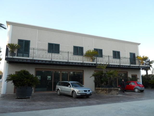 Negozio / Locale in vendita a Martinsicuro, 9999 locali, Trattative riservate | CambioCasa.it