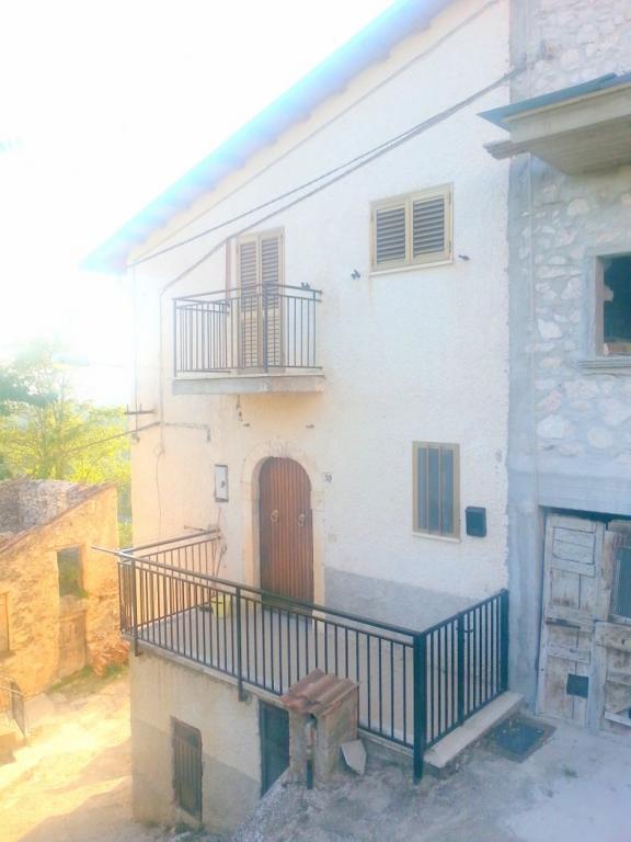Casa Indipendente affitto L'AQUILA (AQ) - 4 LOCALI - 70 MQ