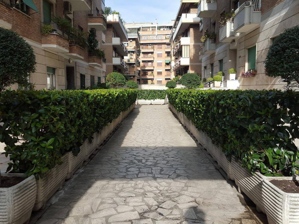 4808 Appartamento in vendita Roma Villa Lais