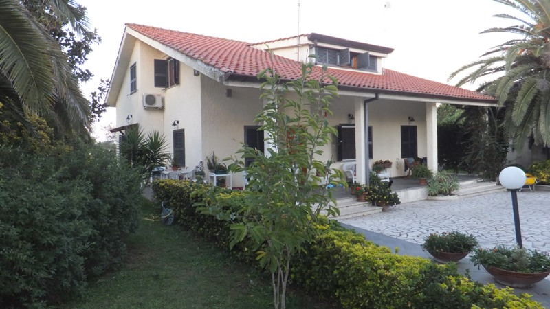 Foto - Villa In Vendita Nettuno (rm)