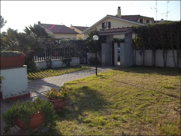 Foto - Villa In Vendita Ardea (rm)