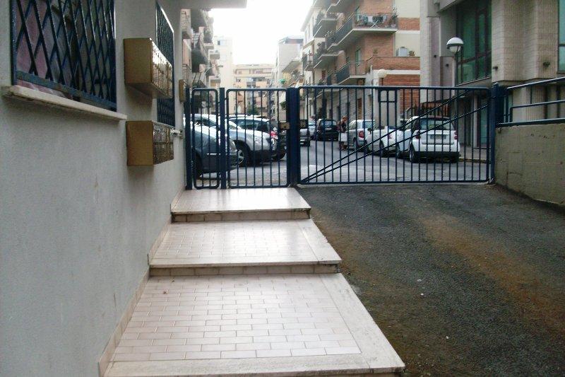 Bilocale Nettuno Via Ancona 4