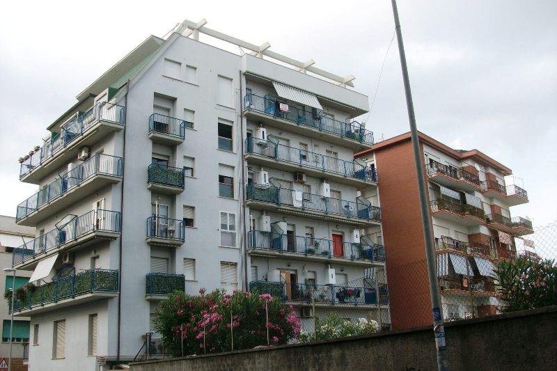 Bilocale Nettuno Via Ancona 5