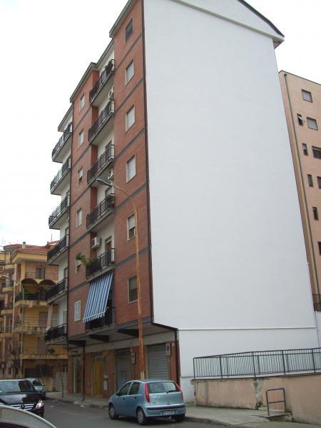 Appartamento in affitto a Cosenza, 4 locali, zona Località: ViaPanebianco, prezzo € 450 | CambioCasa.it