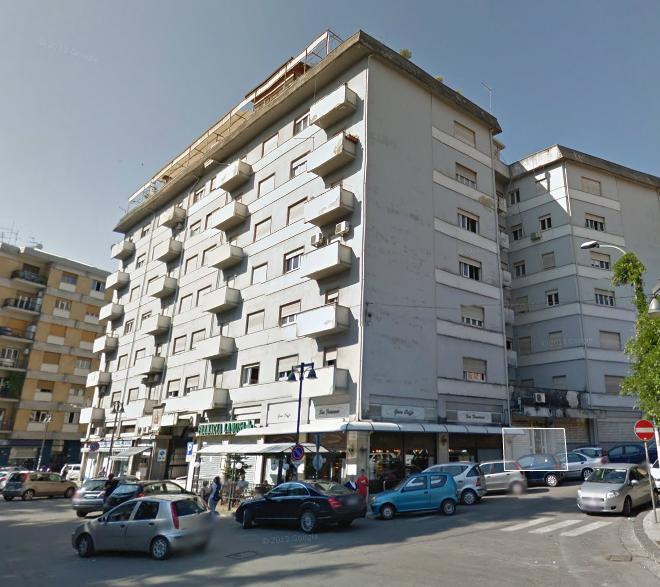 Bilocale Cosenza Piazza Europa 2