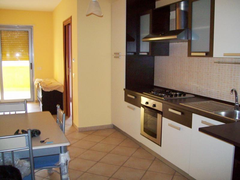 Bilocale Cosenza Via Gabriele  Barrio 2