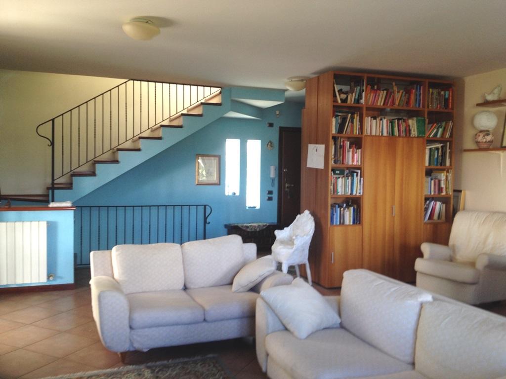 Villa in Affitto a Rende