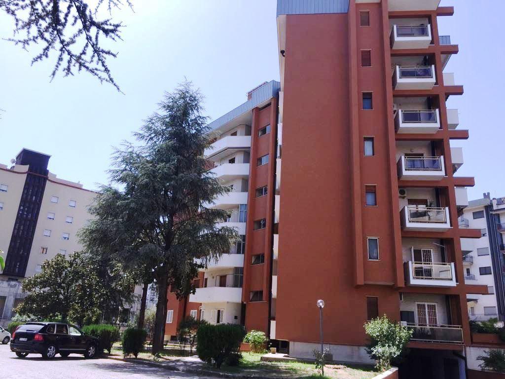 Ufficio / Studio in affitto a Rende, 9999 locali, zona Zona: Quattromiglia, prezzo € 580 | CambioCasa.it