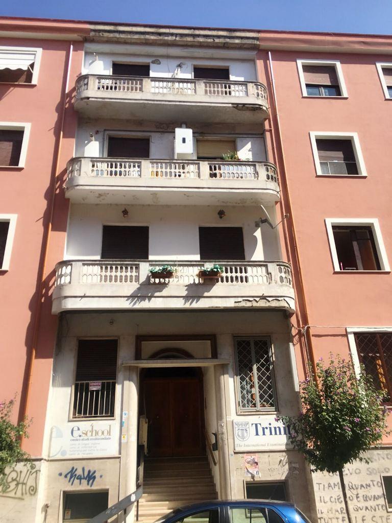 Negozio / Locale in vendita a Cosenza, 9999 locali, prezzo € 240.000 | CambioCasa.it