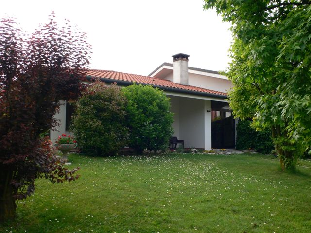 Villa in vendita a Carbonera, 10 locali, prezzo € 495.000 | Cambio Casa.it
