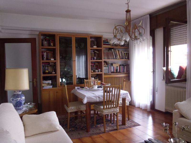 Appartamento in vendita a Villorba, 8 locali, zona Zona: Fontane, prezzo € 120.000 | Cambio Casa.it