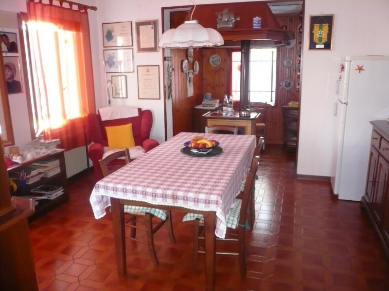 Villa in vendita a Roncade, 6 locali, zona Zona: Biancade, prezzo € 250.000 | Cambio Casa.it