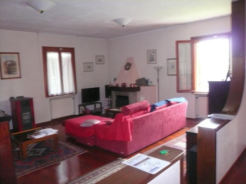 Villa in vendita a Preganziol, 9 locali, prezzo € 310.000 | Cambio Casa.it