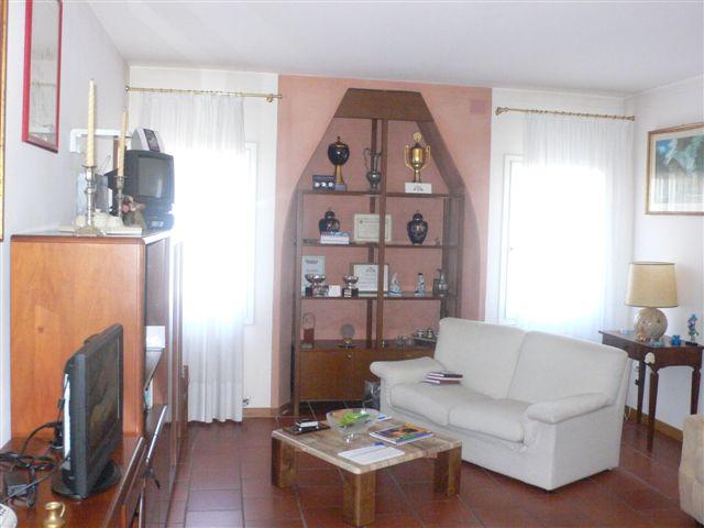 Appartamento in vendita a Ponzano Veneto, 3 locali, zona Zona: Ponzano, prezzo € 95.000 | Cambio Casa.it