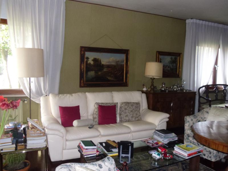 Villa Bifamiliare in vendita a Villorba, 13 locali, zona Zona: Carità, prezzo € 270.000 | CambioCasa.it