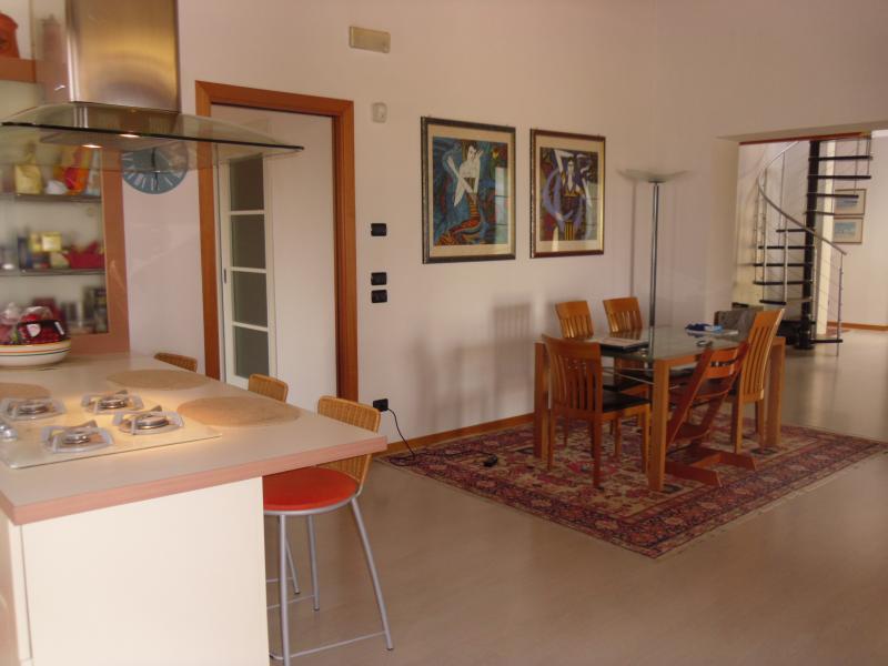 Attico / Mansarda in vendita a Villorba, 8 locali, zona Zona: Villorba, prezzo € 290.000 | Cambio Casa.it