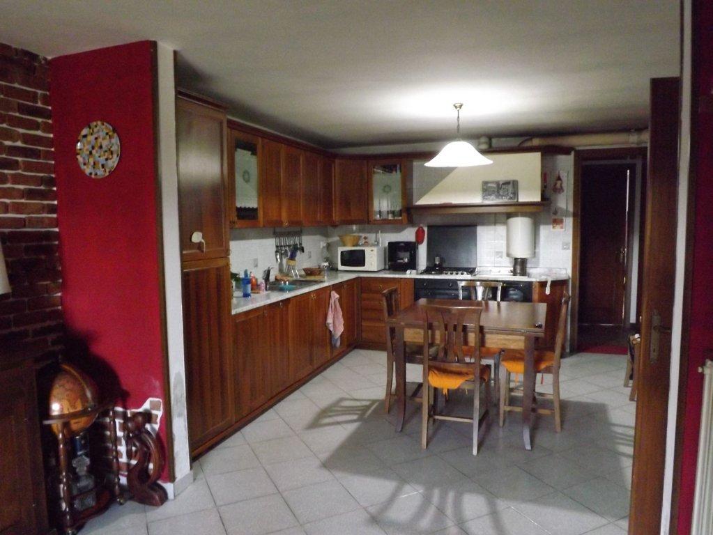 Villa in vendita a Spresiano, 7 locali, zona Zona: Lovadina, prezzo € 185.000 | Cambio Casa.it