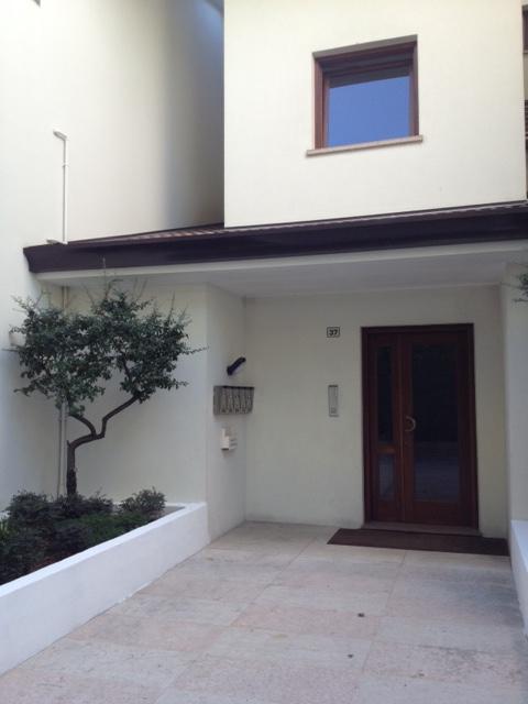 Appartamento in vendita a Casier, 5 locali, zona Località: Dosson, prezzo € 165.000 | Cambio Casa.it