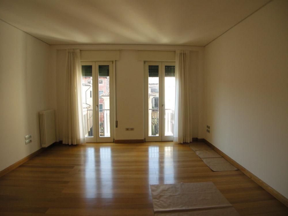 Appartamento in affitto a Treviso, 4 locali, zona Località: Centrostorico, prezzo € 850 | Cambio Casa.it