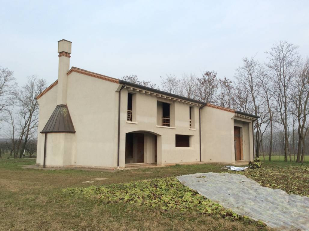 Rustico / Casale in vendita a Villorba, 12 locali, zona Zona: Villorba, prezzo € 360.000 | Cambio Casa.it
