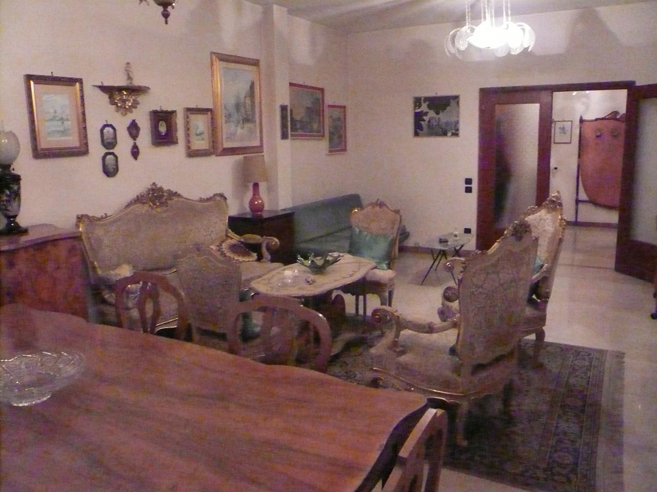 Appartamento in vendita a Silea, 6 locali, prezzo € 87.000   Cambio Casa.it