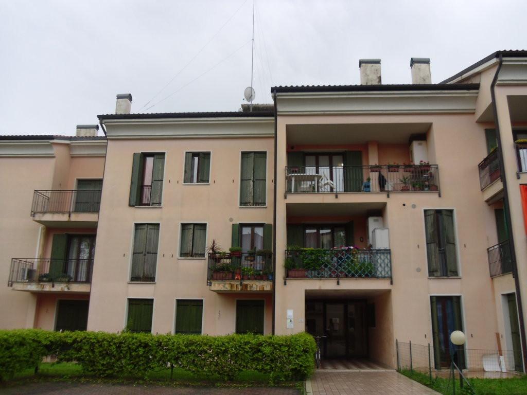 Attico / Mansarda in vendita a Spresiano, 7 locali, zona Località: Centro, prezzo € 110.000 | Cambio Casa.it