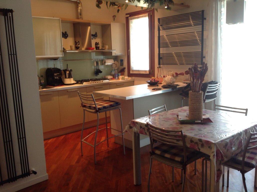 Appartamento in vendita a Ponzano Veneto, 7 locali, zona Zona: Ponzano, prezzo € 150.000 | Cambio Casa.it