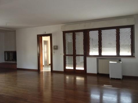 Attico / Mansarda in vendita a Treviso, 5 locali, zona Località: FuoriMura, prezzo € 350.000 | Cambio Casa.it