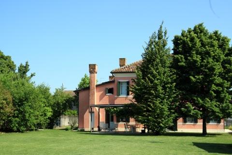 Villa in vendita a Paese, 12 locali, zona Zona: Castagnole, prezzo € 1.000.000 | Cambio Casa.it