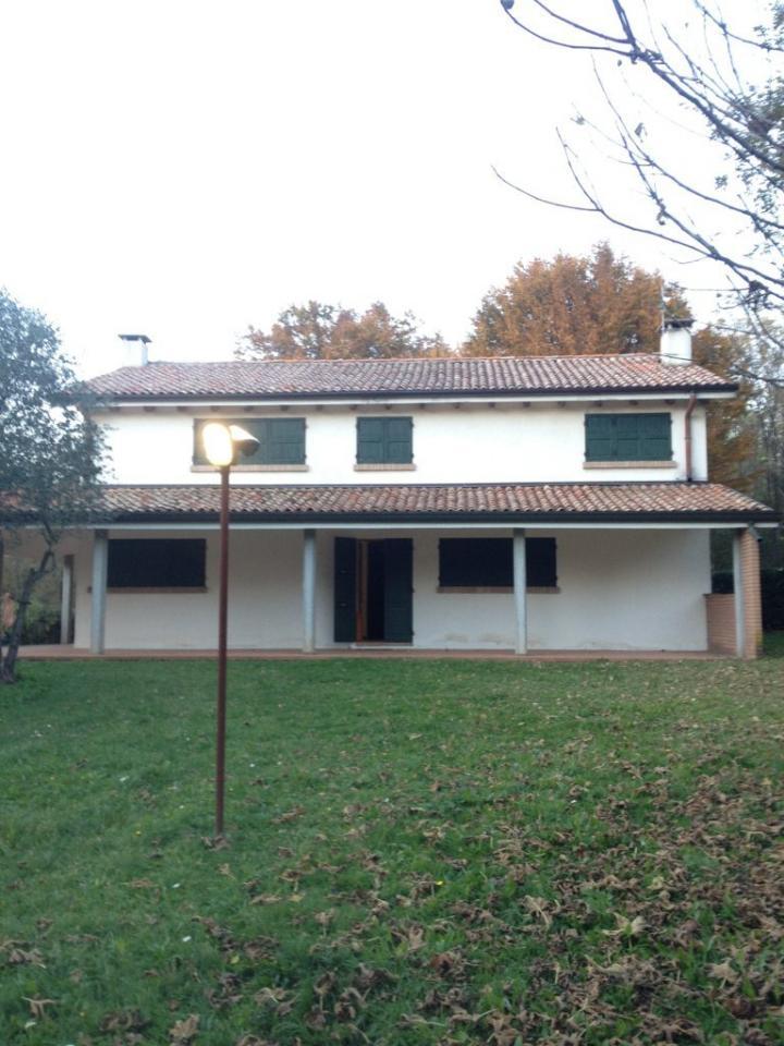 Villa in vendita a Volpago del Montello, 8 locali, prezzo € 420.000 | Cambio Casa.it