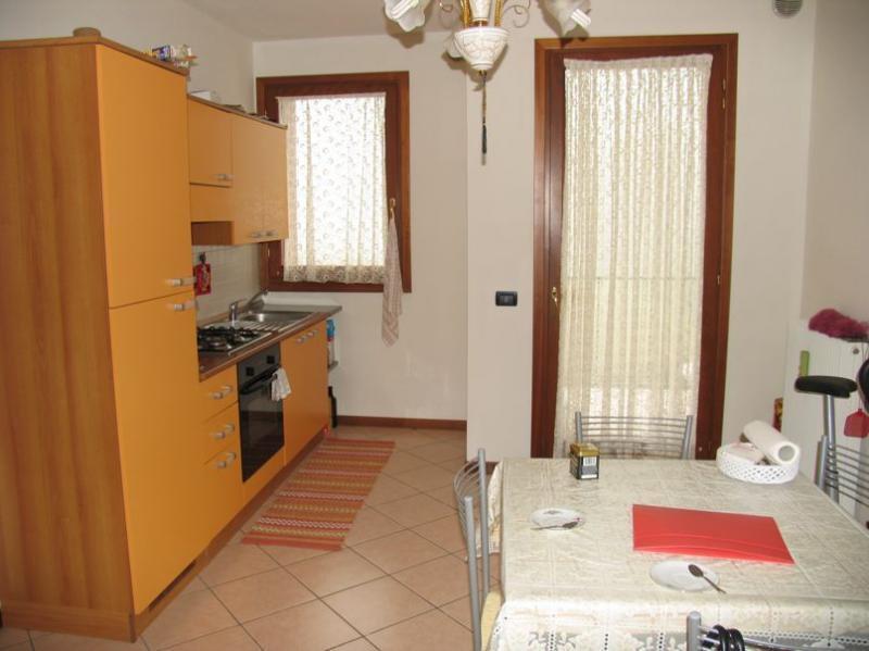 Appartamento in vendita a Maserada sul Piave, 3 locali, prezzo € 75.000 | Cambio Casa.it