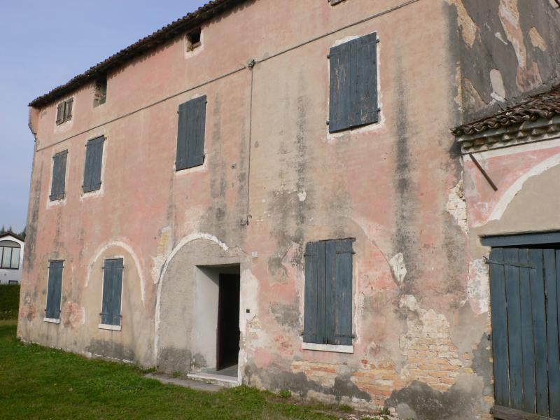 Rustico / Casale in vendita a San Biagio di Callalta, 8 locali, zona Zona: Cavriè, prezzo € 96.000 | Cambio Casa.it