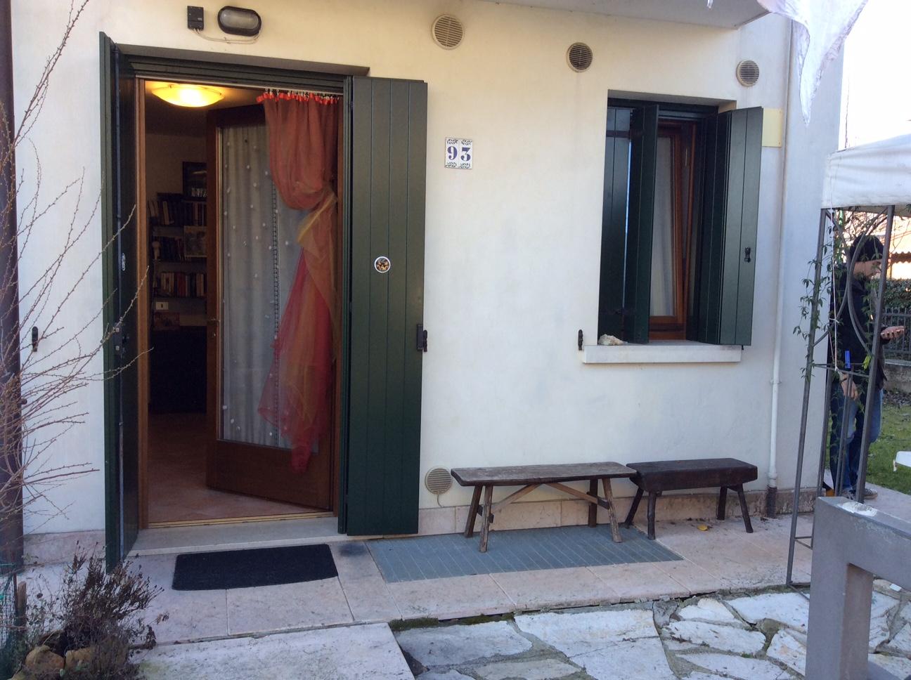 Appartamento in vendita a Ponzano Veneto, 3 locali, zona Località: Paderno, prezzo € 90.000 | Cambio Casa.it